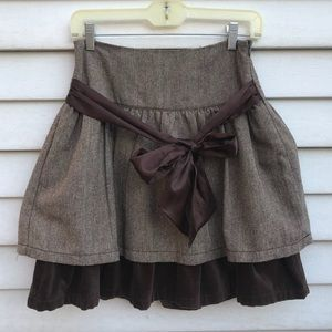 Brown skirt with tie